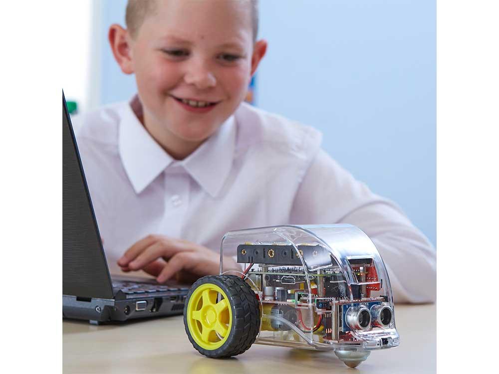 Pi2Go Robots Cyprus Nicosia Limassol Famagusta Paphos Larnaca kid