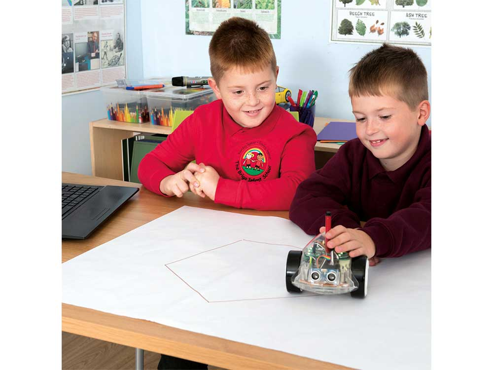 TTS InOBot Προγραμματιζόμενο με Scratch Robots Cyprus Nicosia Limassol Famagusta Paphos Larnaca kids